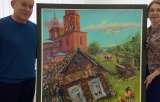 Художники Раиса Терюкалова и Станислав Воронов подарили КВЦ «Радуга» свои картины